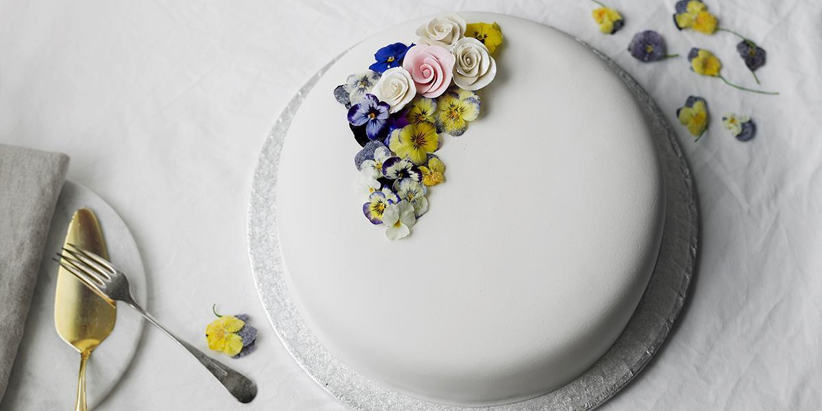 Kakepynt Med Blomster Hovedbilde